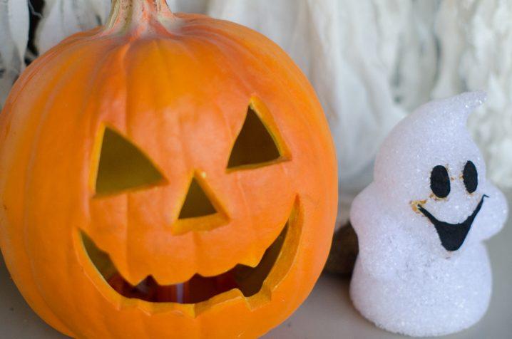 ハロウィン コスプレ お菓子 由来 画像 仮装