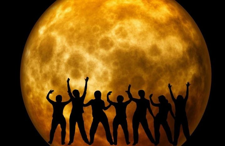 moon-969820_960_720