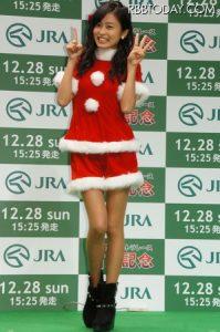 小島瑠璃子 サンタコス かわいい